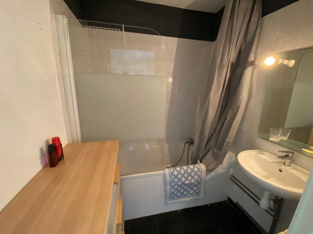 Appartement à louer 4 67m2 à Bordeaux vignette-5
