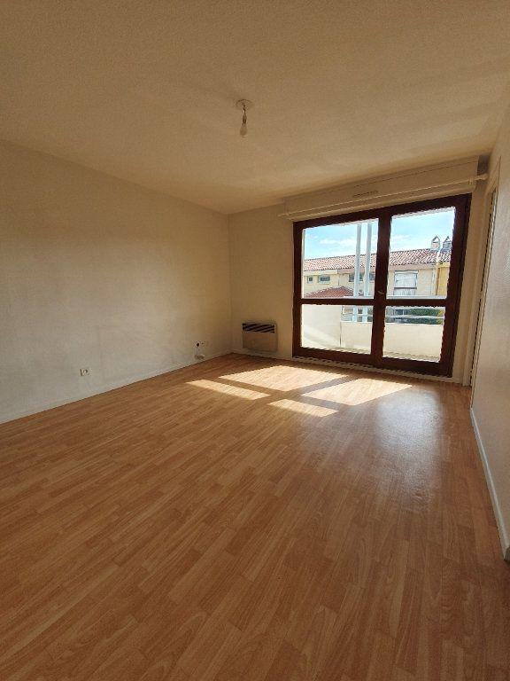 Appartement à louer 2 29m2 à Toulouse vignette-1