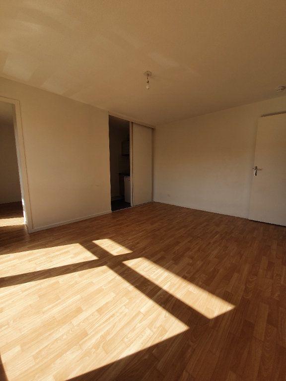 Appartement à louer 2 29m2 à Toulouse vignette-2