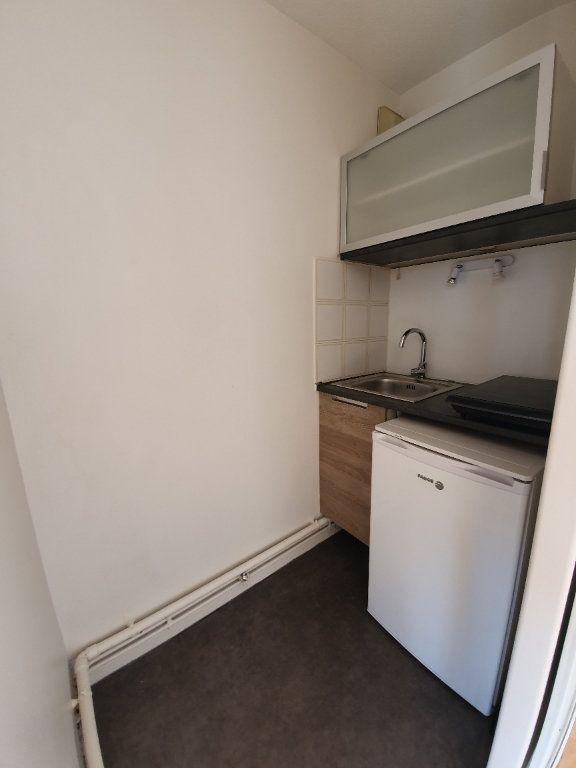 Appartement à louer 2 29m2 à Toulouse vignette-3