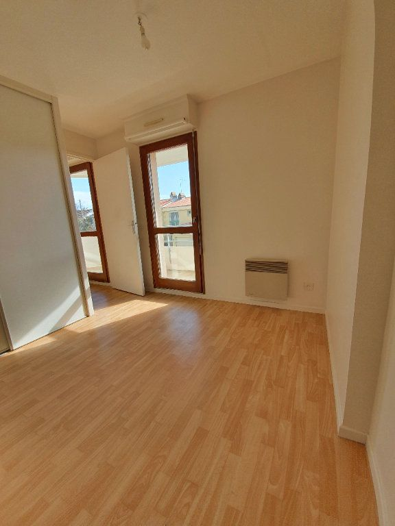 Appartement à louer 2 29m2 à Toulouse vignette-5