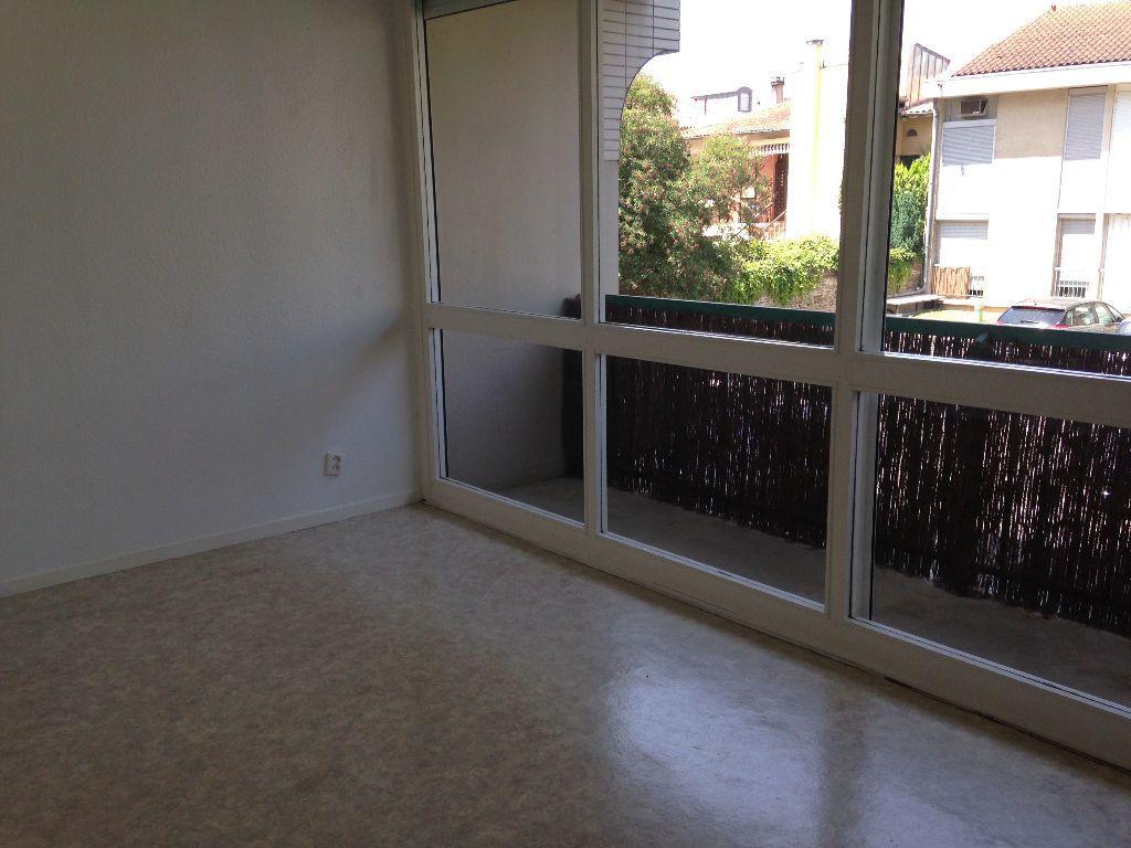 Appartement à louer 1 21.75m2 à Toulouse vignette-2