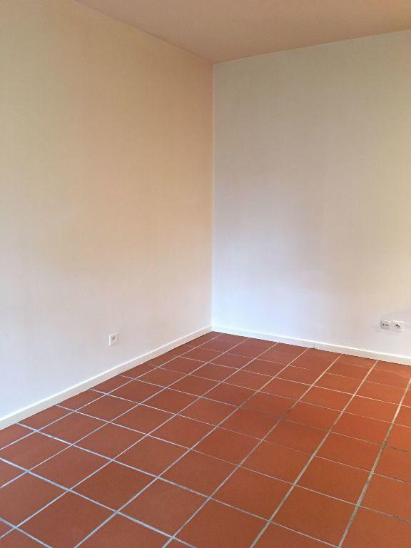 Appartement à louer 2 35.57m2 à Toulouse vignette-2