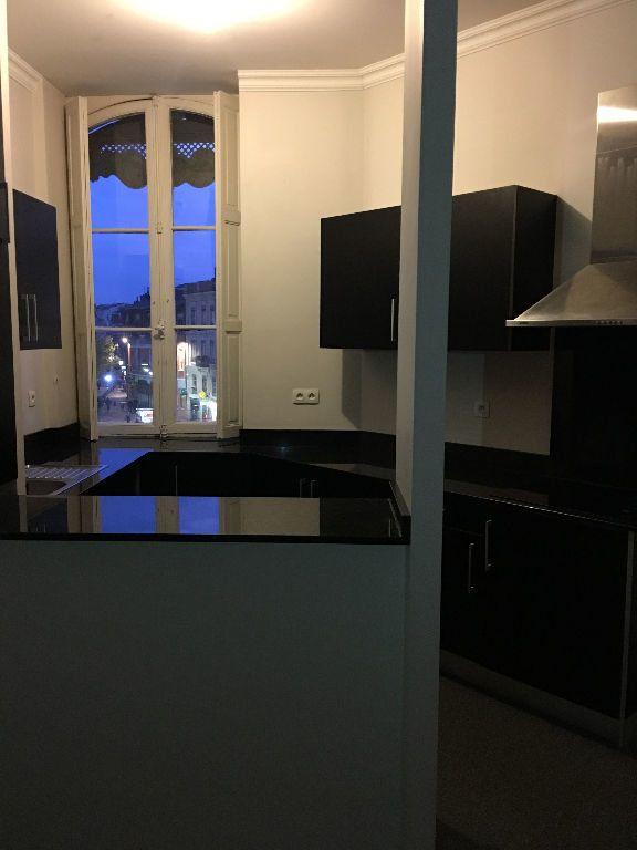 Appartement à louer 3 73.08m2 à Toulouse vignette-3