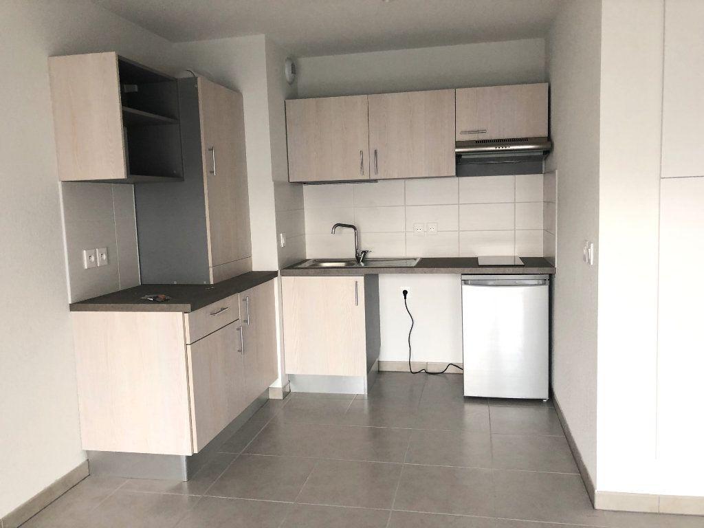 Appartement à louer 2 40.14m2 à Cugnaux vignette-2