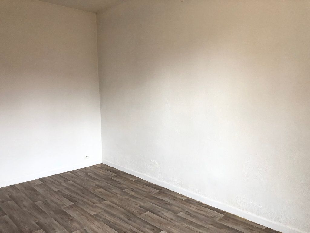 Appartement à louer 1 25m2 à Toulouse vignette-2