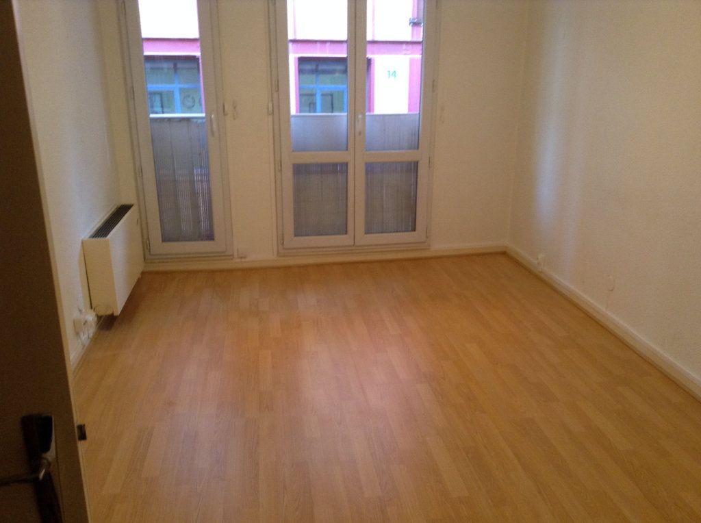 Appartement à louer 2 27.12m2 à Toulouse vignette-3