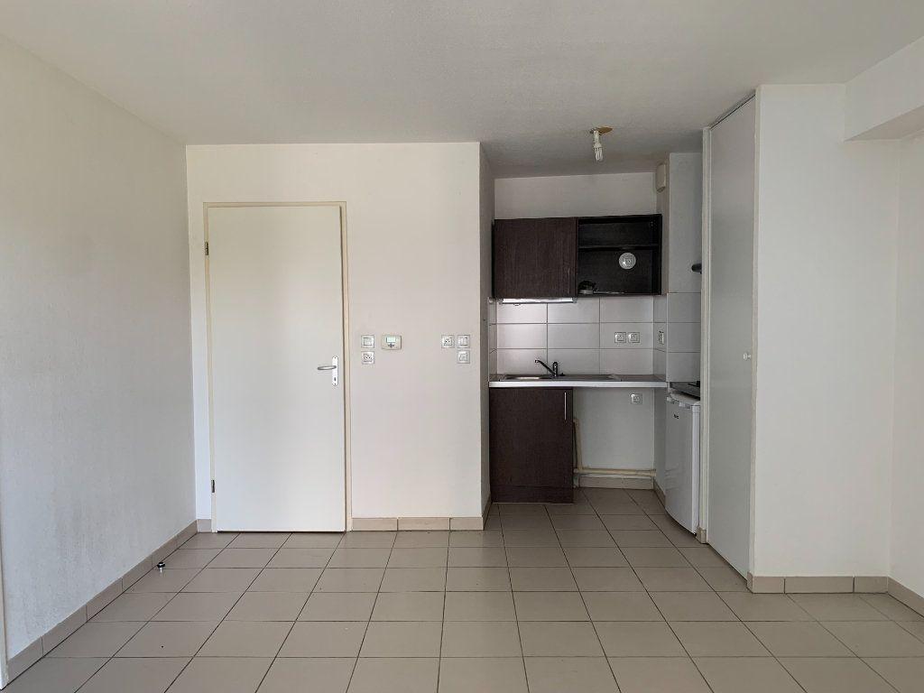 Appartement à louer 2 46.1m2 à Toulouse vignette-2