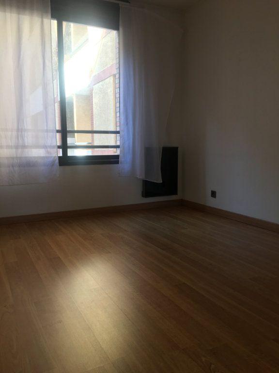 Appartement à louer 4 87.93m2 à Toulouse vignette-6