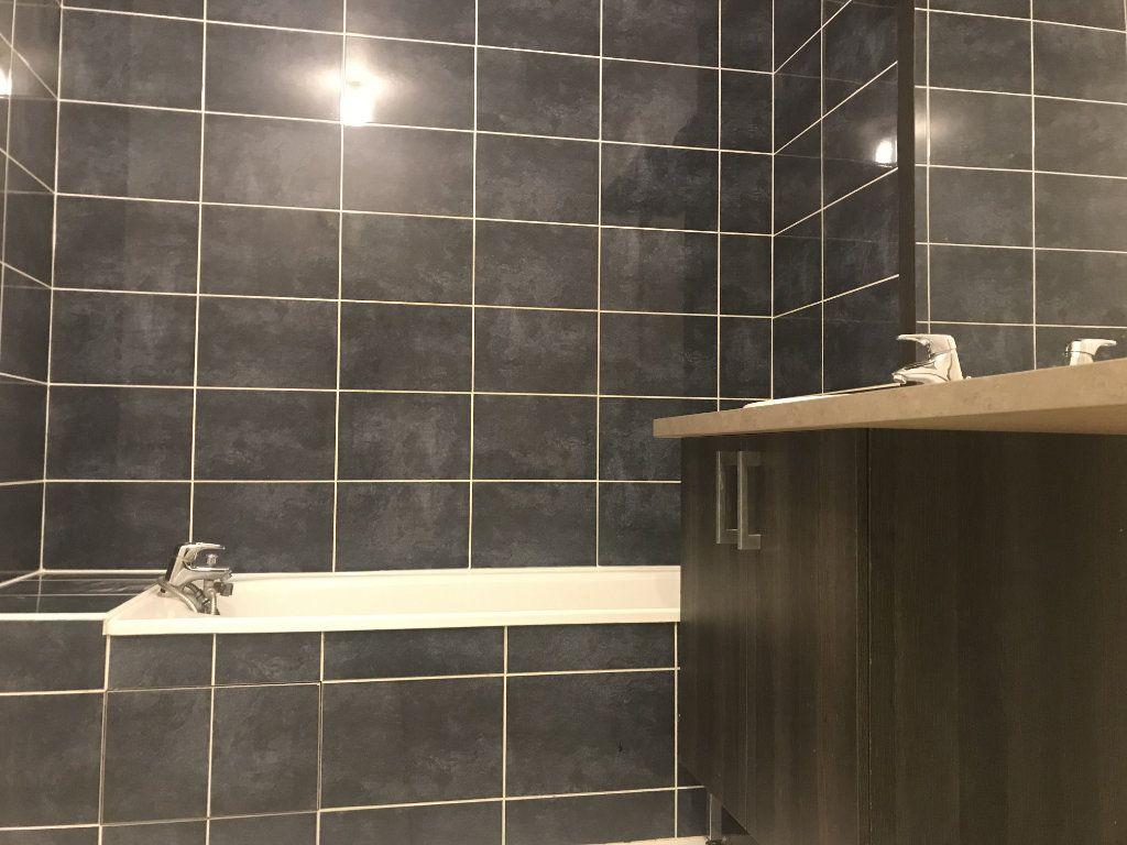 Appartement à louer 2 49.6m2 à Toulouse vignette-4