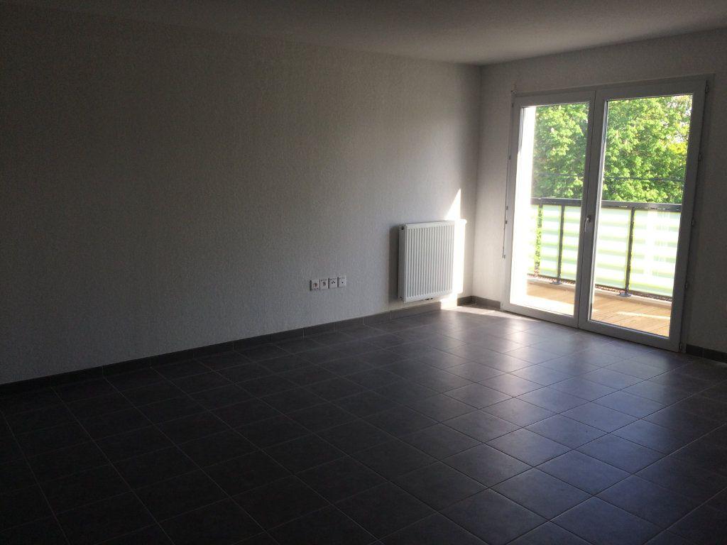 Appartement à louer 3 60.73m2 à Toulouse vignette-1