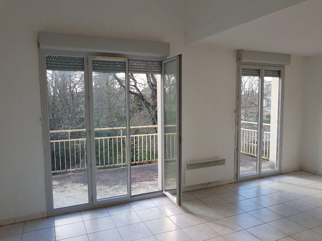 Appartement à vendre 3 63m2 à Muret vignette-1