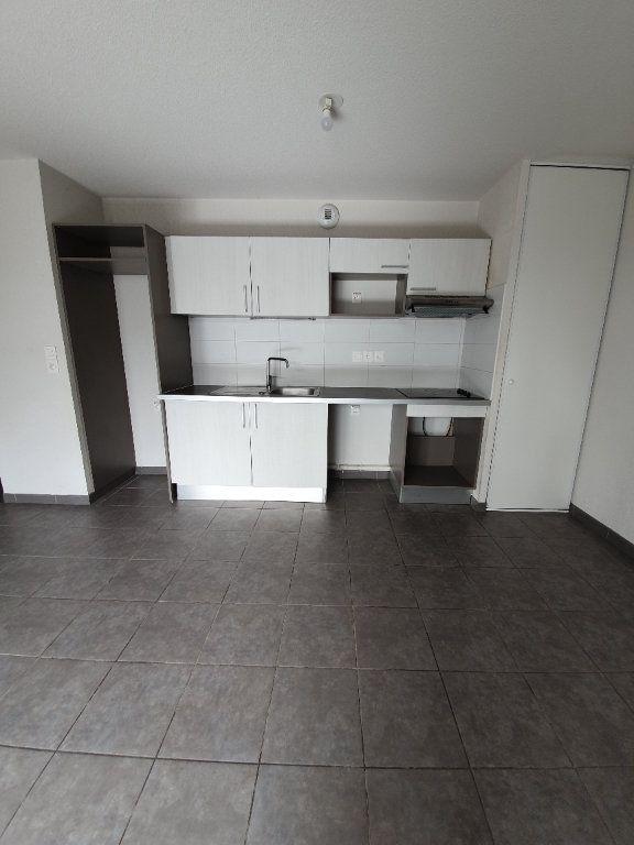 Appartement à louer 3 68m2 à Toulouse vignette-2