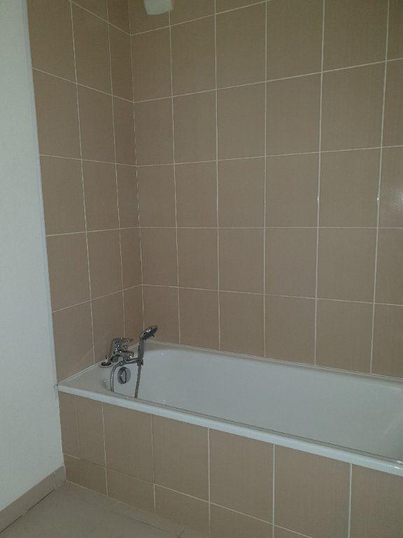 Appartement à louer 3 69m2 à Toulouse vignette-8