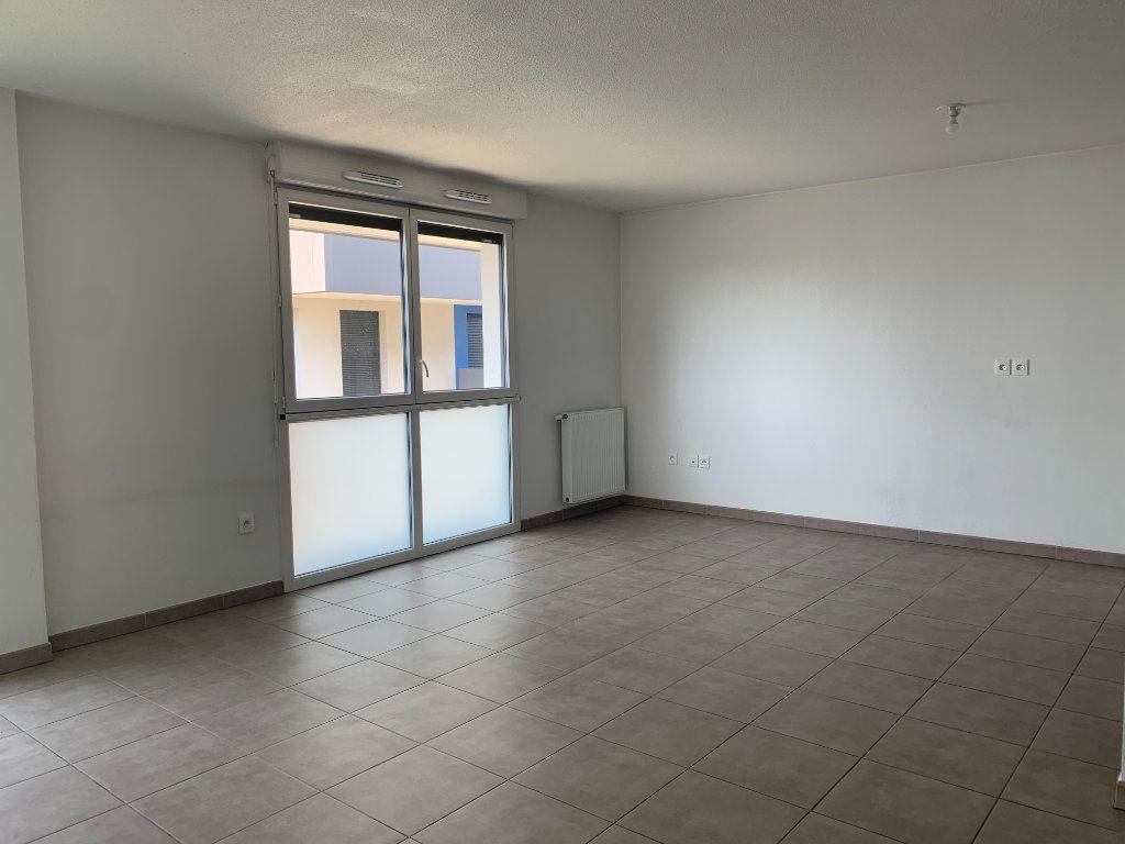 Appartement à louer 3 63.3m2 à Toulouse vignette-1
