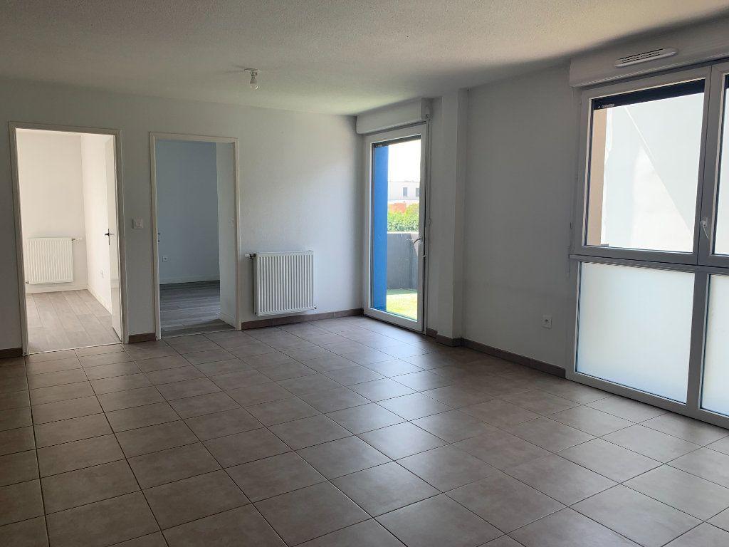 Appartement à louer 3 63.3m2 à Toulouse vignette-2
