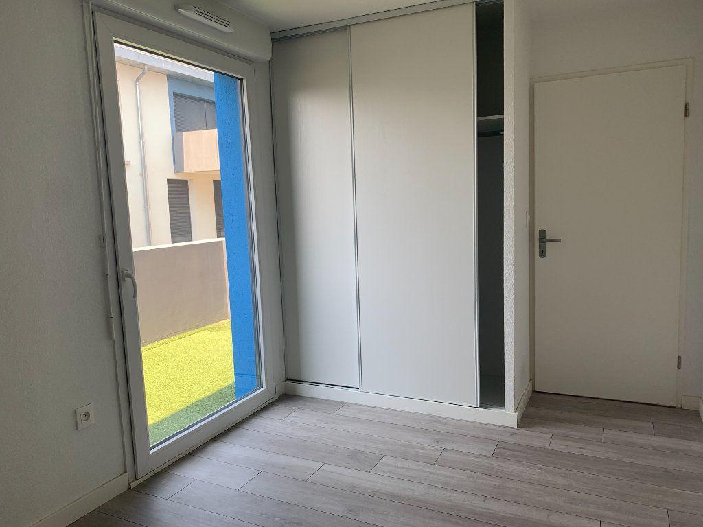 Appartement à louer 3 63.3m2 à Toulouse vignette-5