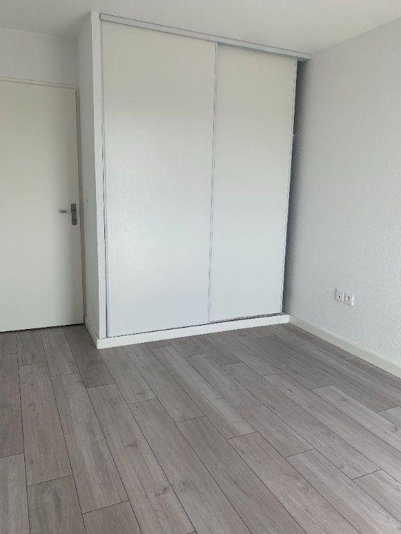 Appartement à louer 3 63.3m2 à Toulouse vignette-6