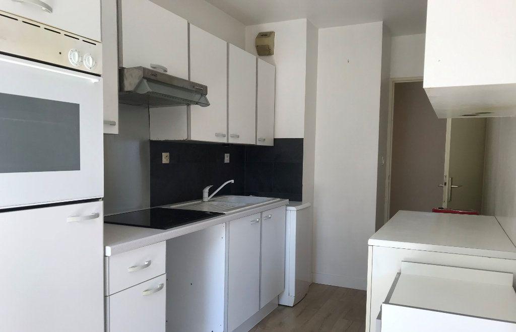 Appartement à louer 3 68m2 à Toulouse vignette-3
