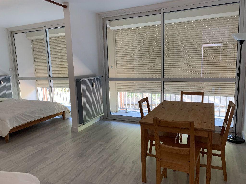 Appartement à louer 2 29.11m2 à Toulouse vignette-1
