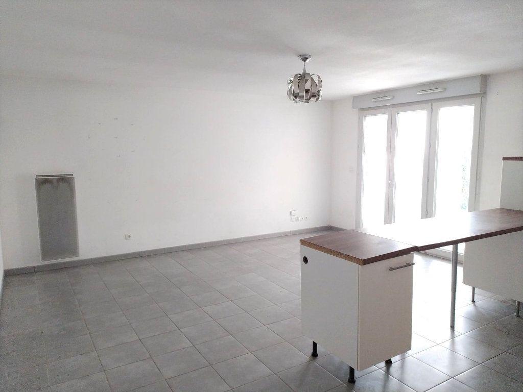 Appartement à vendre 3 67m2 à Toulouse vignette-3