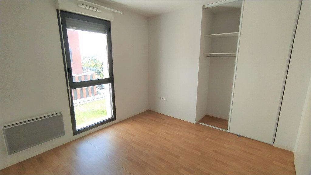 Appartement à vendre 3 71.99m2 à Toulouse vignette-3