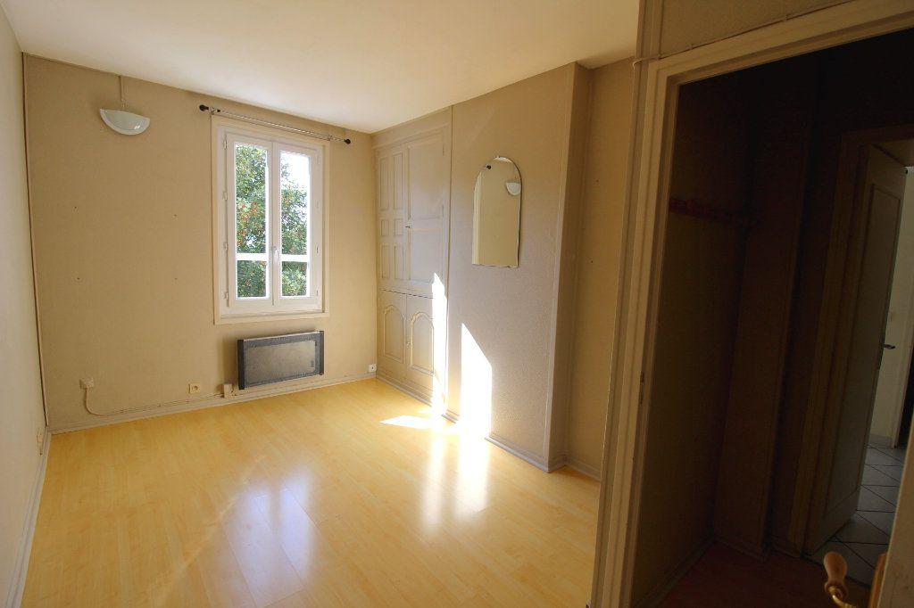 Appartement à louer 2 43.02m2 à Rozay-en-Brie vignette-2