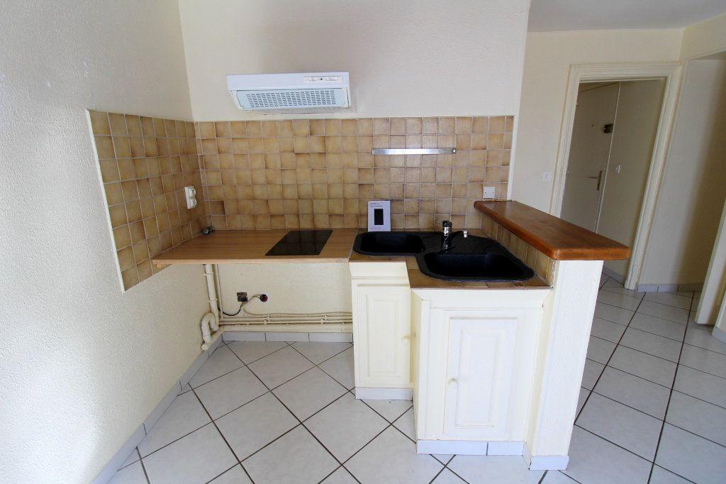Appartement à louer 2 43.02m2 à Rozay-en-Brie vignette-3
