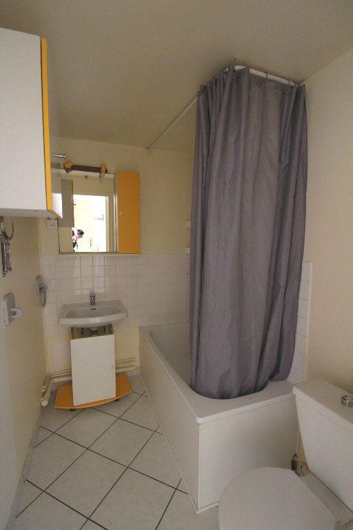 Appartement à louer 2 43.02m2 à Rozay-en-Brie vignette-9