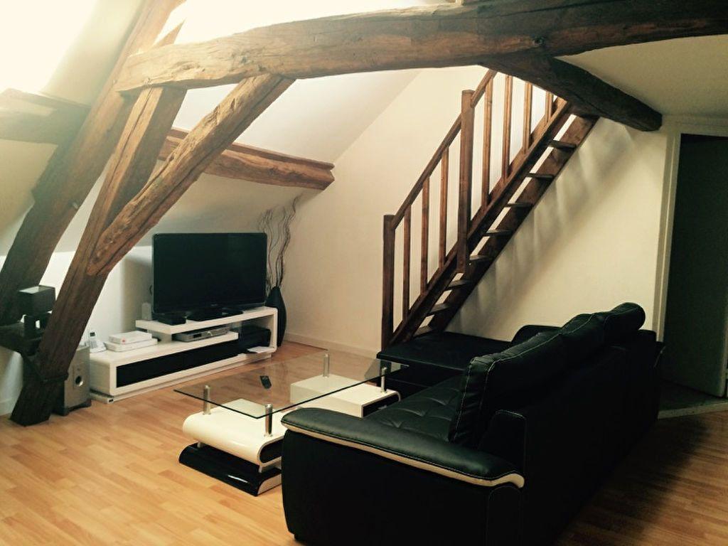 Appartement à louer 1 27.7m2 à Fontenay-Trésigny vignette-1