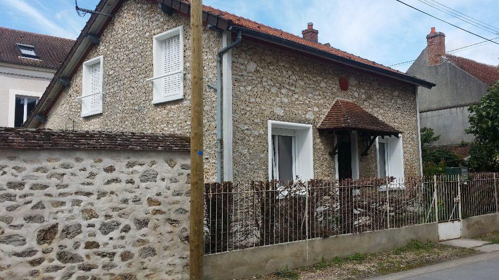 Maison à louer 4 121m2 à Vaudoy-en-Brie vignette-6