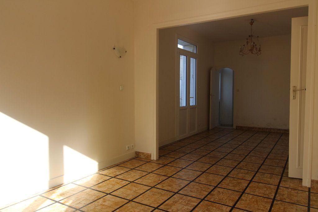 Maison à louer 4 121m2 à Vaudoy-en-Brie vignette-8