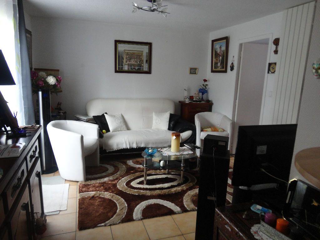 Appartement à louer 2 39.86m2 à Chaumes-en-Brie vignette-1