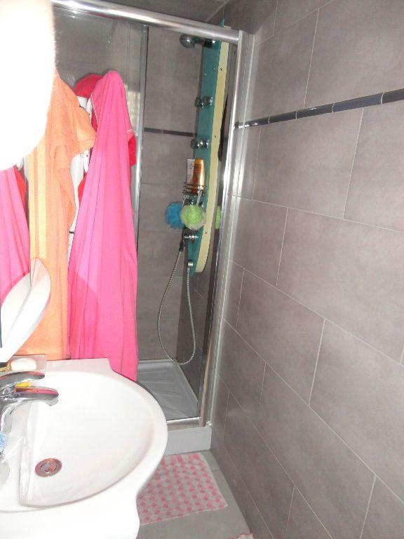 Appartement à louer 2 39.86m2 à Chaumes-en-Brie vignette-5