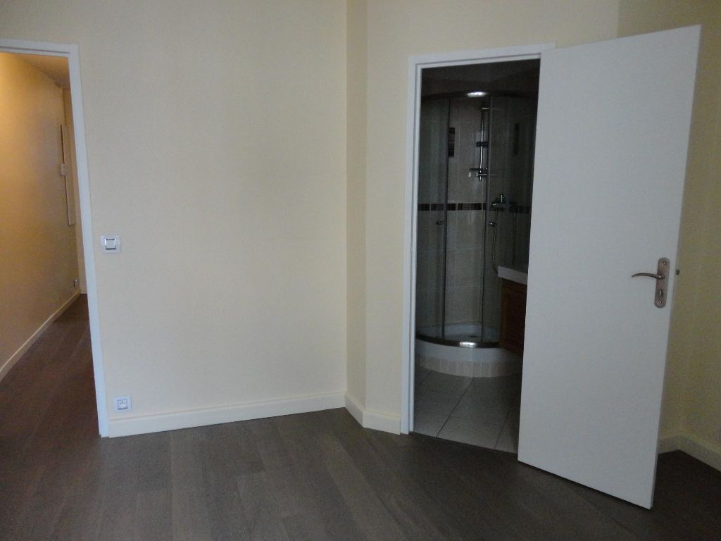 Appartement à louer 2 35m2 à Rozay-en-Brie vignette-5