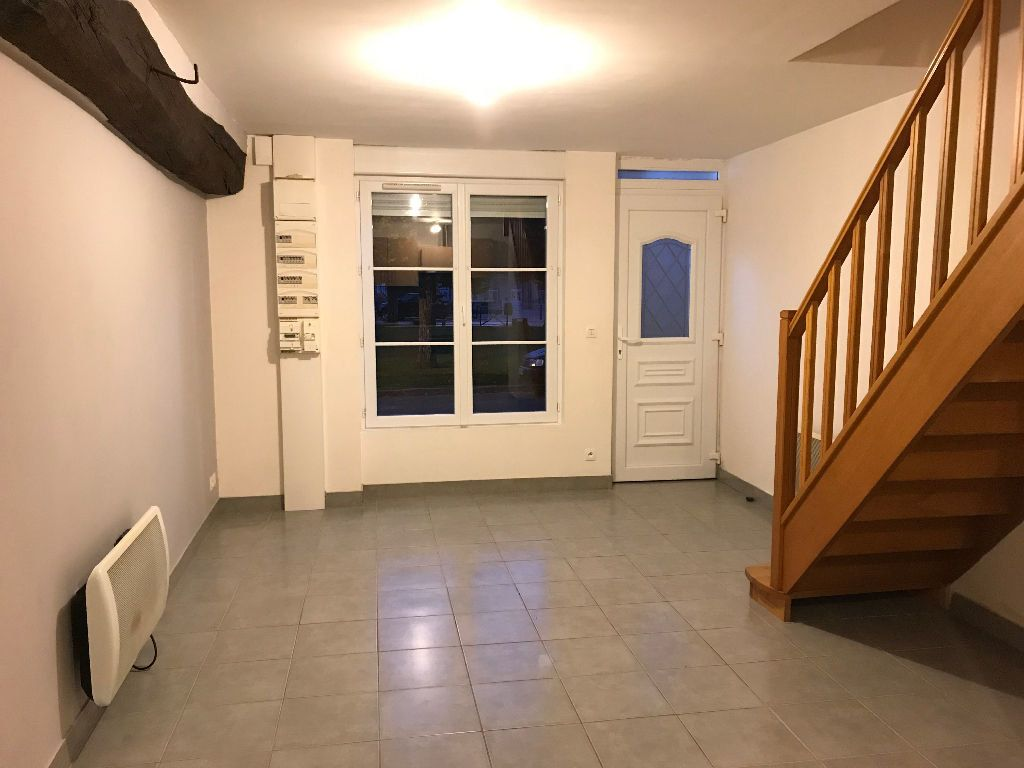 Appartement à louer 3 42m2 à Gastins vignette-1