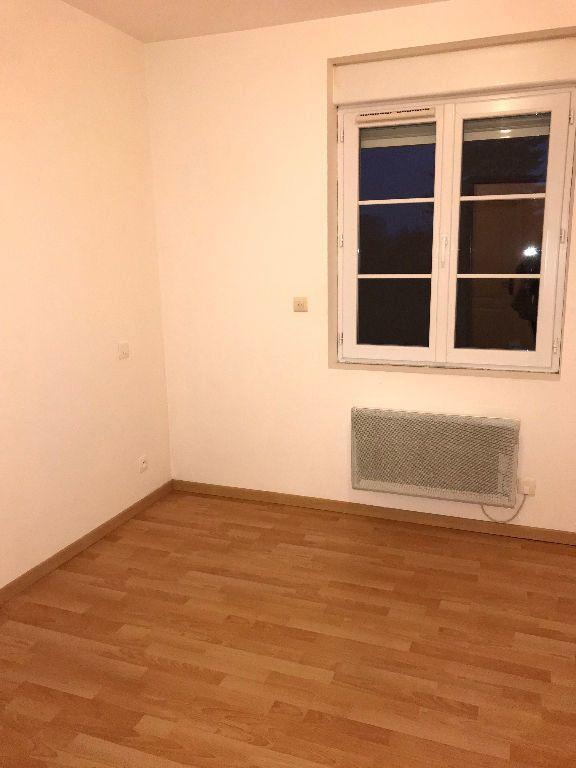 Appartement à louer 3 42m2 à Gastins vignette-3