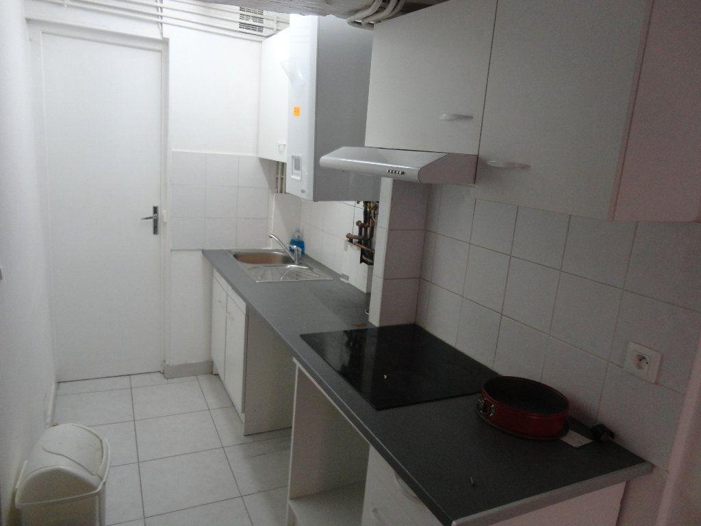 Appartement à louer 2 47m2 à Rozay-en-Brie vignette-3