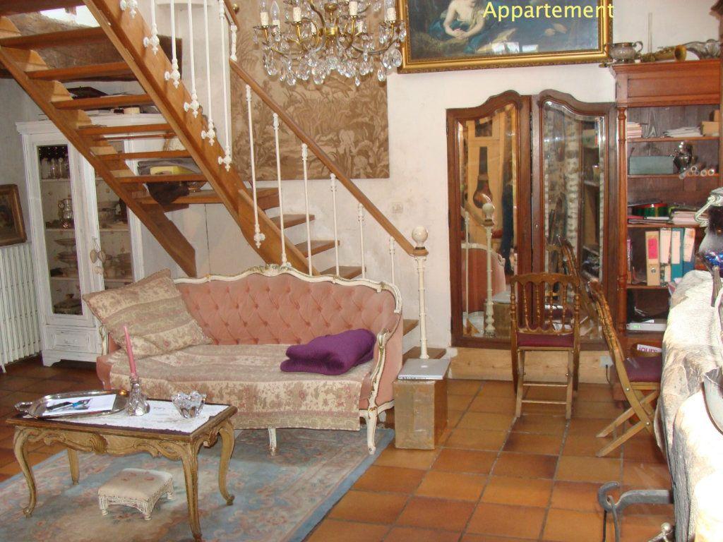 Immeuble à vendre 0 700m2 à Rozay-en-Brie vignette-6