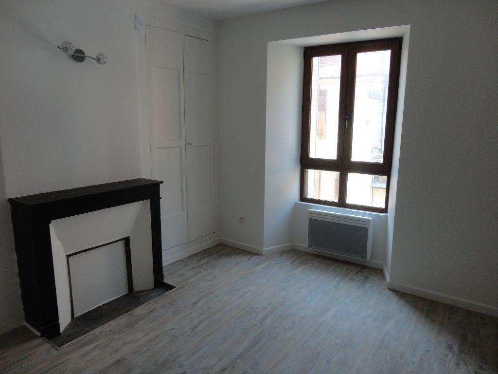 Appartement à louer 1 29m2 à Rozay-en-Brie vignette-1
