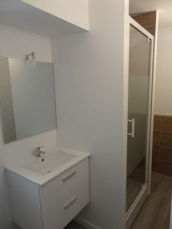 Appartement à louer 1 29m2 à Rozay-en-Brie vignette-4