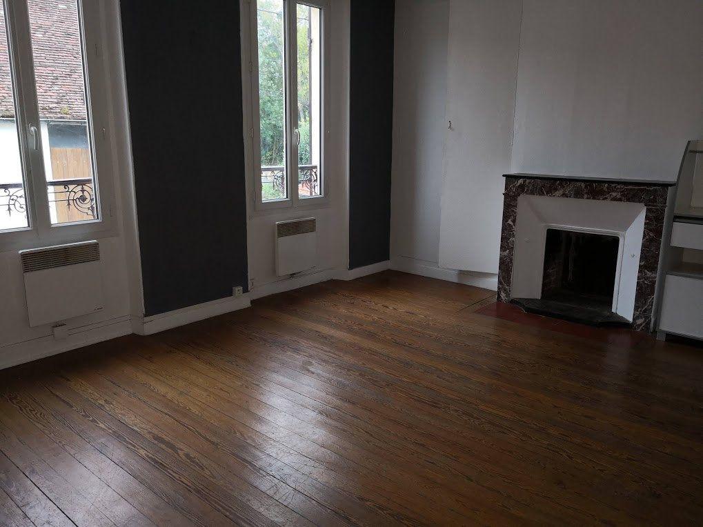 Appartement à louer 3 52m2 à Beton-Bazoches vignette-3