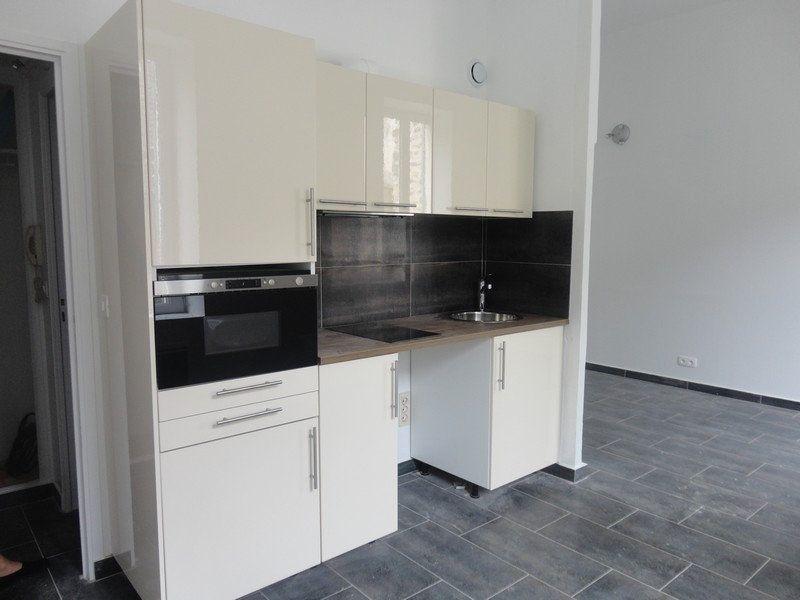 Appartement à louer 1 26.54m2 à Rozay-en-Brie vignette-1