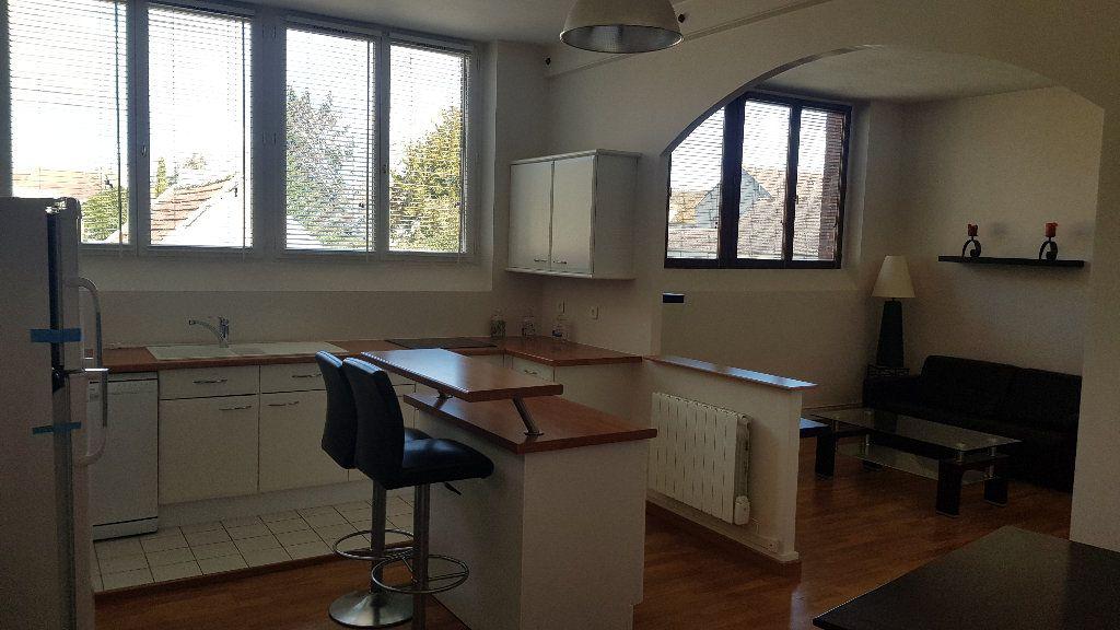 Appartement à louer 2 59.98m2 à Rozay-en-Brie vignette-1
