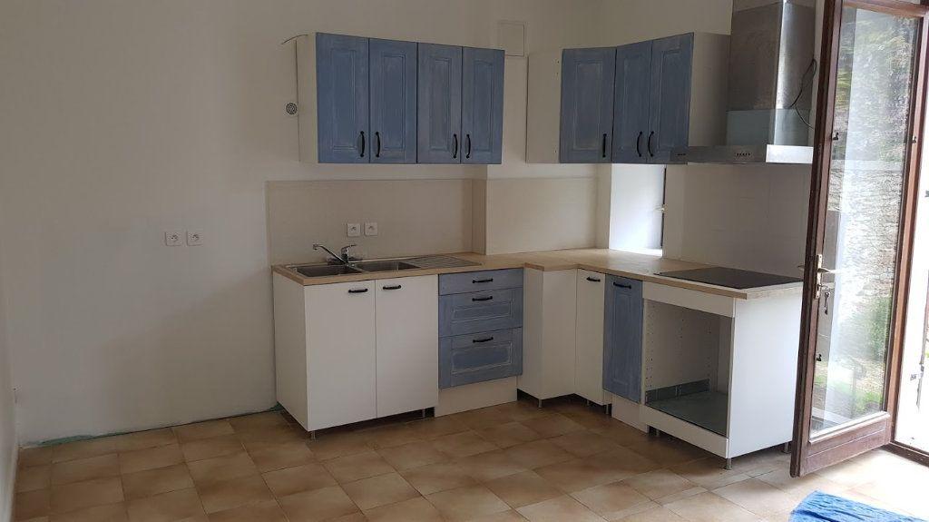 Maison à louer 4 152m2 à Lumigny-Nesles-Ormeaux vignette-2