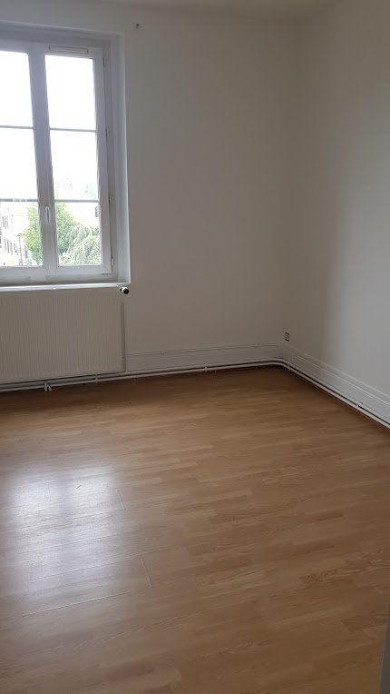 Maison à louer 4 152m2 à Lumigny-Nesles-Ormeaux vignette-8