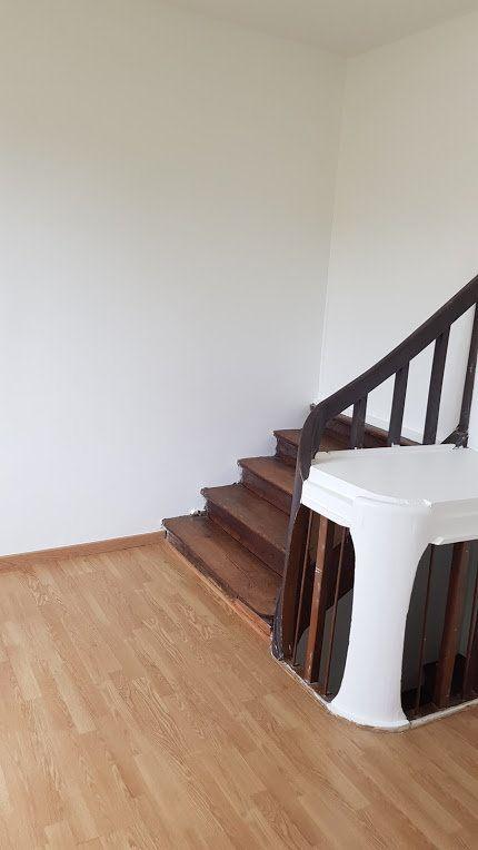 Maison à louer 4 152m2 à Lumigny-Nesles-Ormeaux vignette-11
