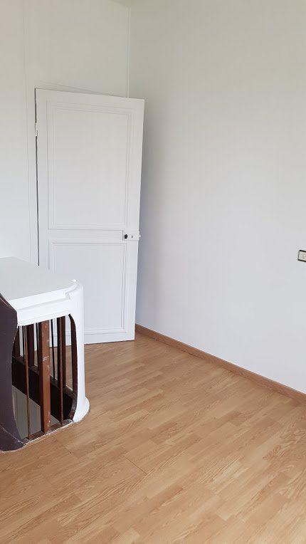 Maison à louer 4 152m2 à Lumigny-Nesles-Ormeaux vignette-12