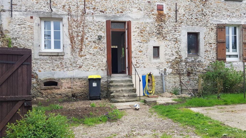 Maison à louer 4 152m2 à Lumigny-Nesles-Ormeaux vignette-16