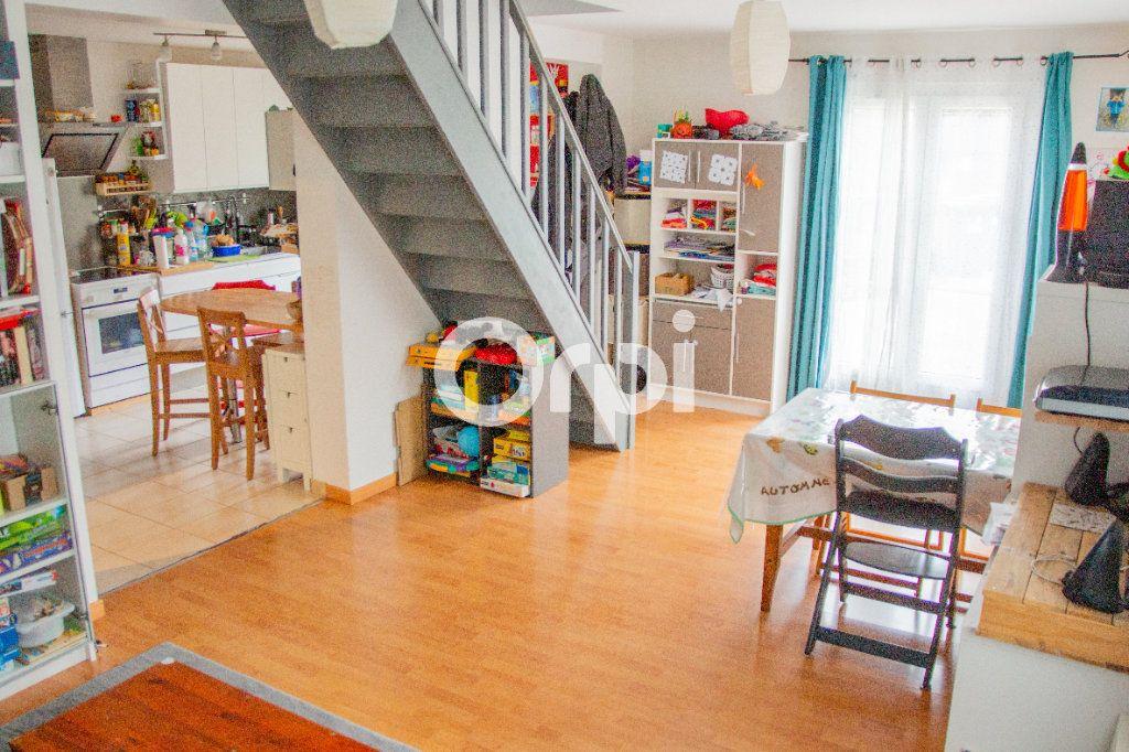 Maison à vendre 4 102m2 à Jouy-le-Châtel vignette-1
